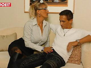 Hardcore German amateur fuck with mature blondie